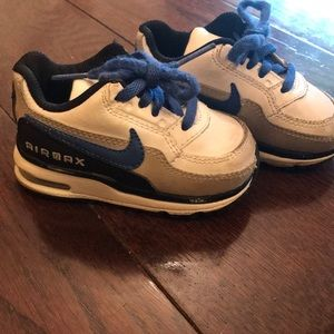 Toddler Nike AirMax Shoes size 4c
